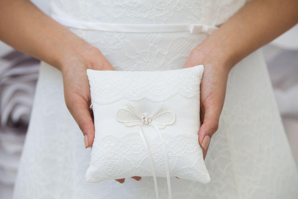 Brautmode Katalin Hochzeitsaccessoires Ringkissen R-0634_2